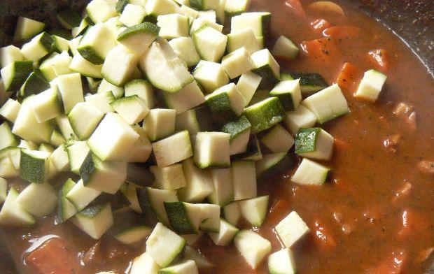 Karkówka z pieczarkami i warzywami