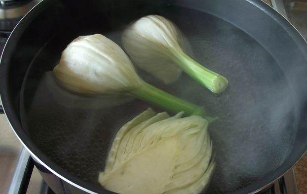 Koper włoski faszerowany ryżem z warzywami