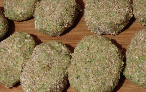 Kotlety brokułowe z cheddarem