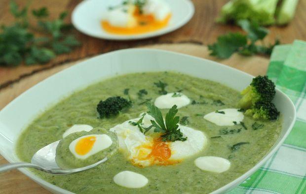 Krem brokułowo selerowy z jajem