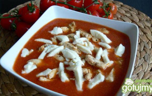 Krem z pomidora z mozzarellą