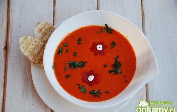 Kremowa zupa z pieczoną papryką