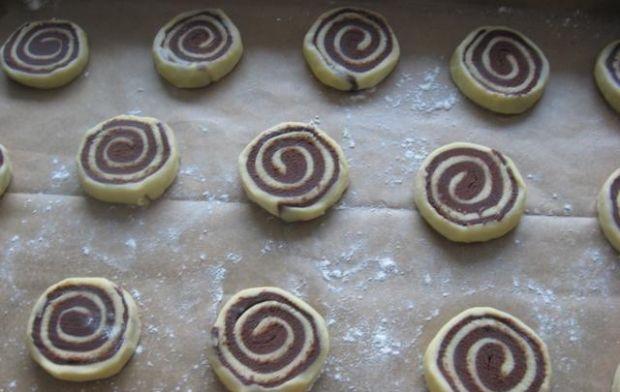 Kruche czekoladowe spiralki