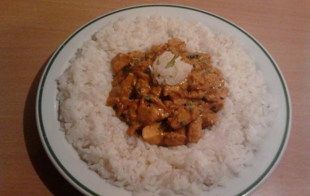 Kurczak curry w jogurcie i śmietanie