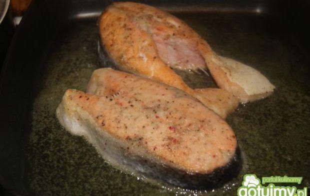 Łosoś z sosem chrzanowym na Tagliatelle