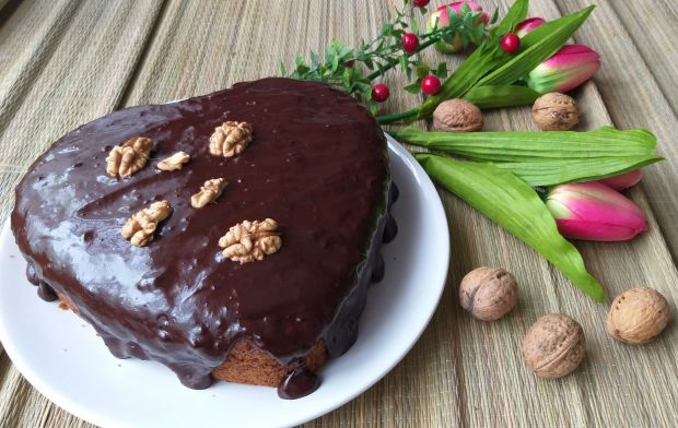 Ciasto marchewkowo - orzechowe z polewą