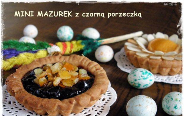 Mini mazurki z czarną porzeczką