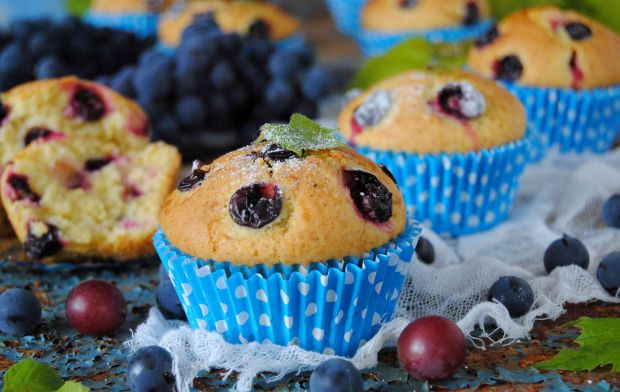 Muffinki z winogronem