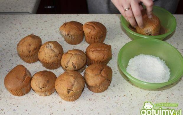 Muffiny cytrynowe w polewie czekoladowej