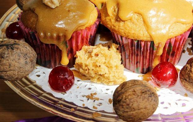 Muffiny z orzechami włoskimi i kawą zbożową