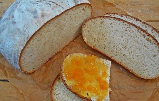 Nocny chleb z syropem z mniszka lekarskiego