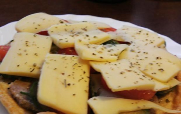 Omlet z brukselką.