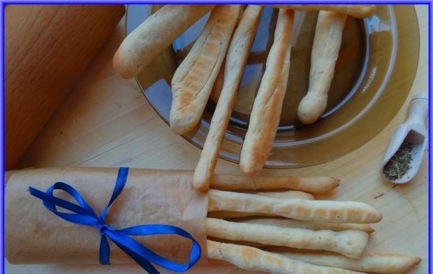 Paluchy chlebowe z wędzoną papryką i ziołami