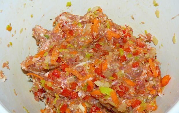 Pieczeń Rzymska z papryką, marchewką i porem
