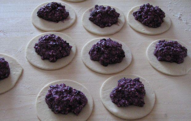 Pierogi z serem i jagodami
