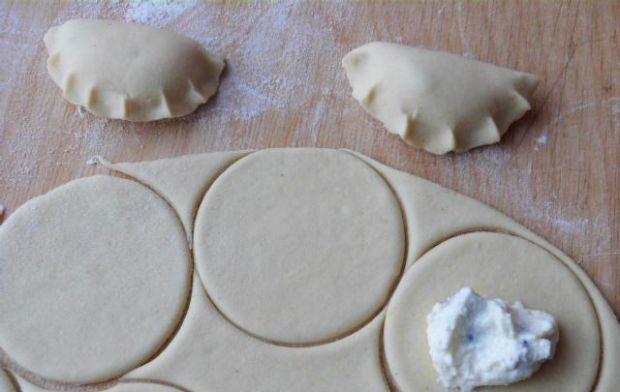 Pierogi z serem twarogowym i żurawiną