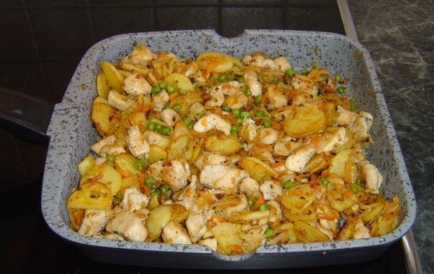 Piersi z kurczaka w smażonych warzywach
