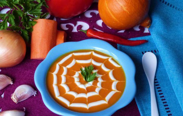 Pikantna zupa krem z dyni i marchewki