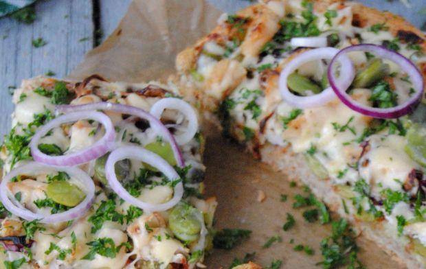 Pizza z bobem i kurczakiem