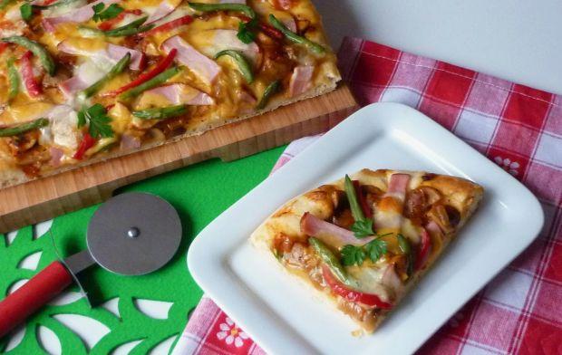 Pizza z kaszą manną