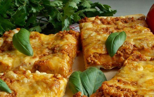 Pizza z sosem bolognese