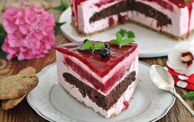 Porzeczkowy tort z glazurą