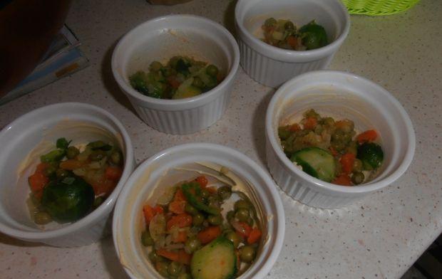 Puszyste muffinki z brukselką i warzywami