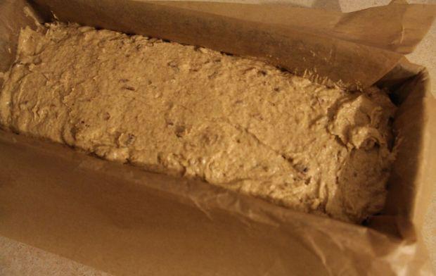 Razowy keks z daktylami