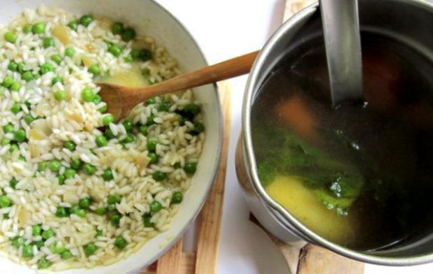 Risotto z zielonym groszkiem i miętą