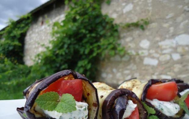 Roladki z bakłażana z fetą i pomidorem