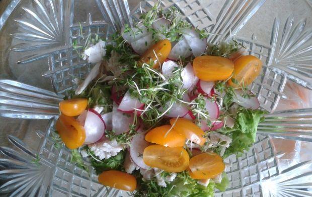 Sałata z pieczonym kurcz. i żółtymi pomidorkami