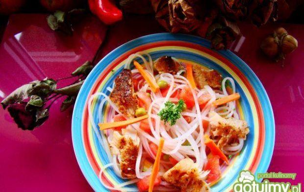 Sałatka z pomidorów i pstrąga