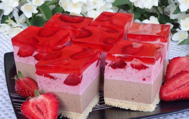 Sernik czekoladowo-truskawkowy