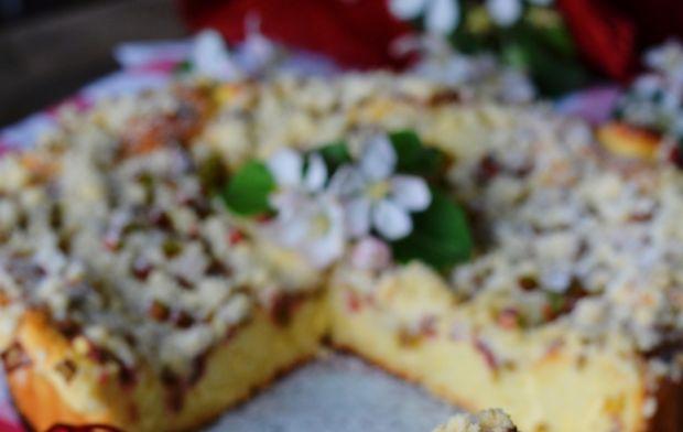 Serowy drożdżowiec z rabarbarem i nutą imbiru