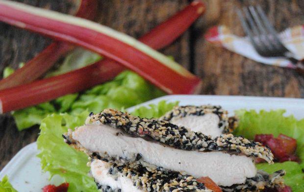 Sezamowy filet w  sosie rabarbarowym