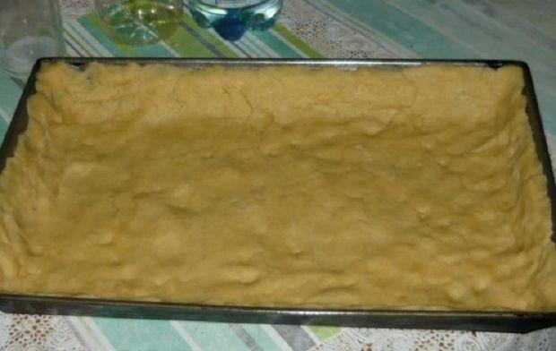 Ciasto śliwkowe z budyniem i kruszonką