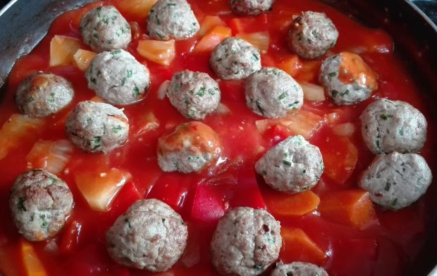 Słodko-kwaśnie kulki z indyka w tajskim sosie