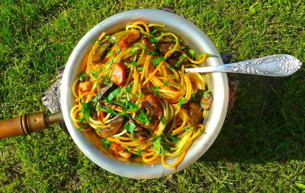 Spaghetti z grzybami leśnymi i boczkiem