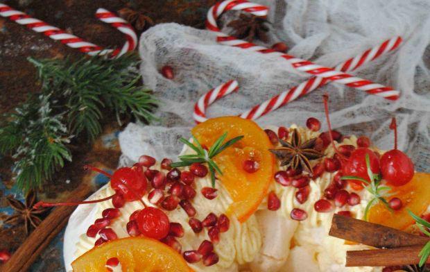 Świąteczny wieniec bezowy