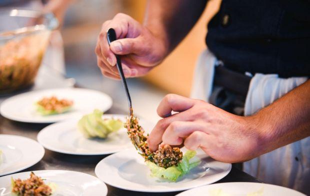 pokaz kulinarny Tam Chudaree Debhakam