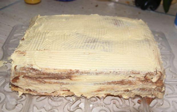 Tort advoctowo-czekoladowy z masą cukrową
