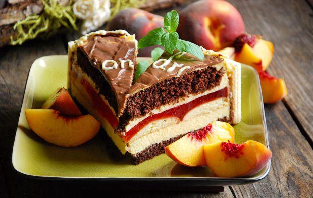 Tort czekoladowo- brzoskwiniowy