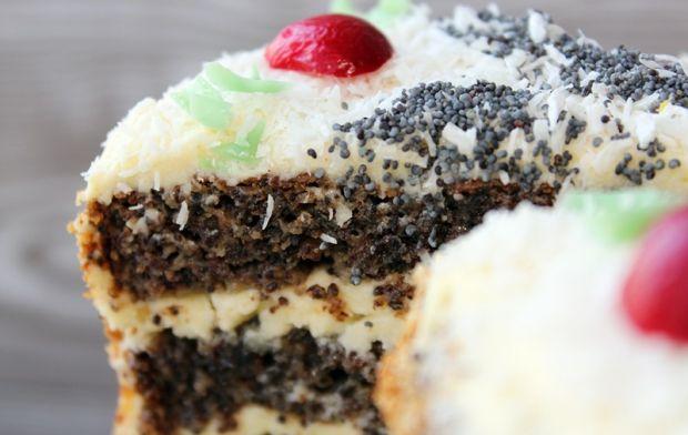 Tort z masy makowej