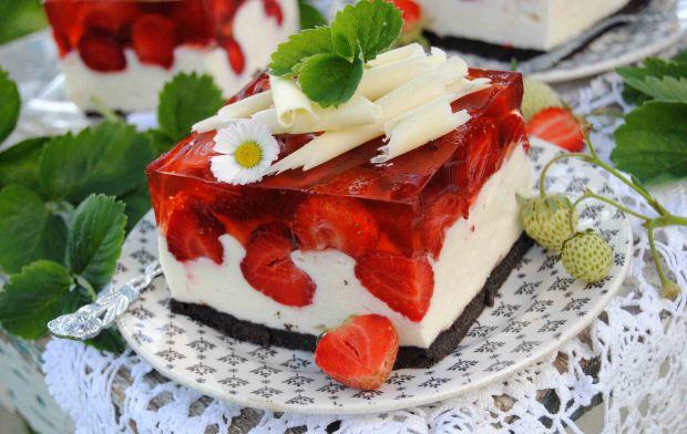 Truskawkowe ciasto oreo z białą czekoladą