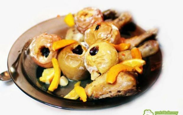 Udka kurczaka pieczone z jabłkami