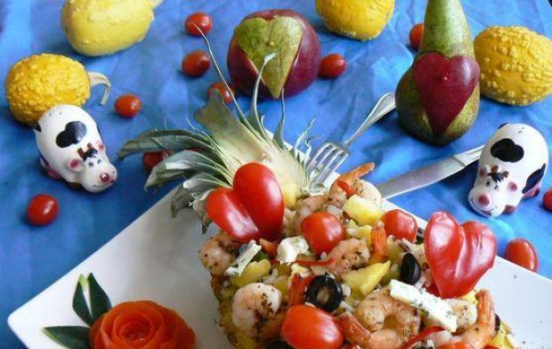 Walentynkowy ananas kuszący krewetkami