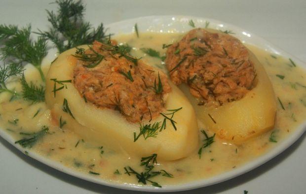 Ziemniaki faszerowane w sosie koperkowym