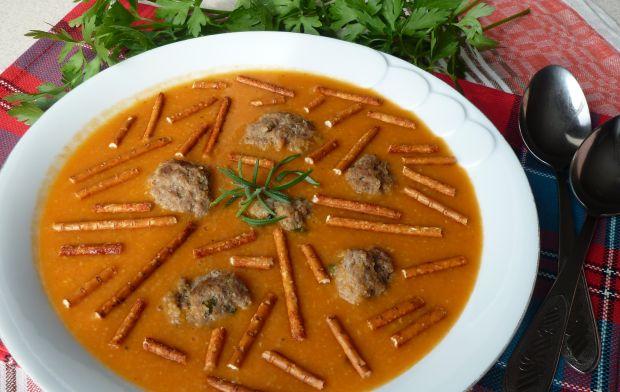 Zupa-krem z kukurydzą i wołowymi klopsikami