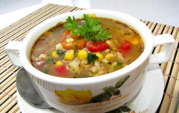 Zupa meksykańska z kurczakiem - do zupy dodajemy kukurydzę z kolby ponieważ z puszki jest zbyt rozgotowana