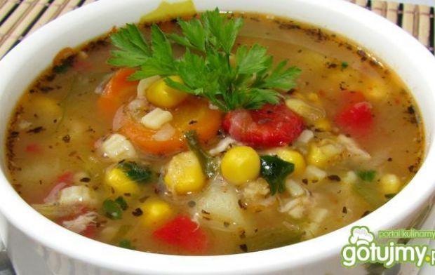 Zupa meksykańska z kurczakiem - zupa na chłodne dni, lekko pikantna z makaronem i kukurydzą
